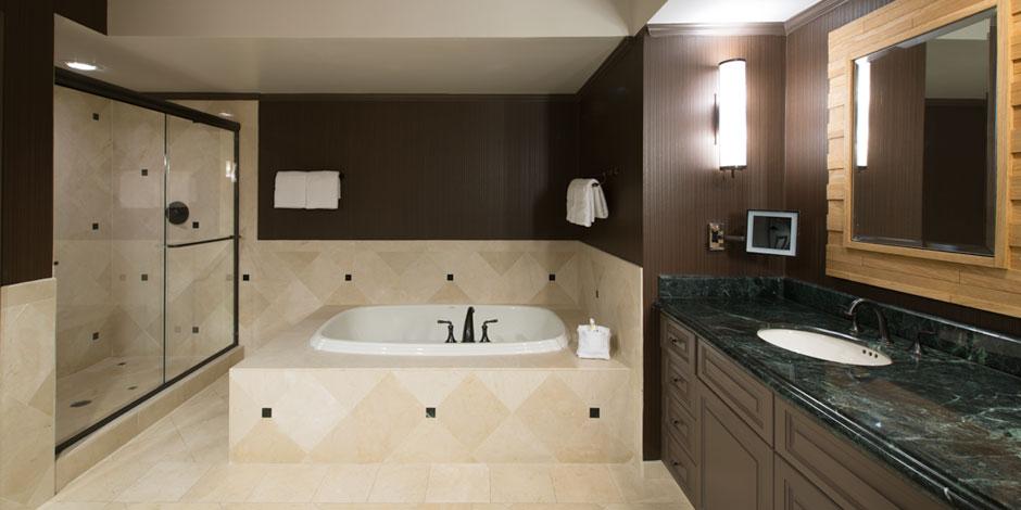 Executive Suite Bath