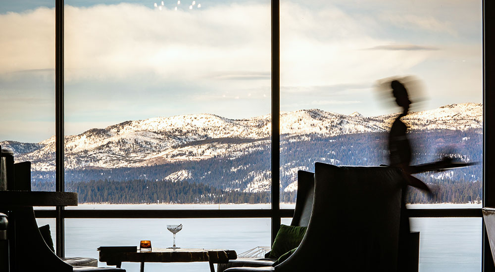 Cocktails with a view of Payette Lake
